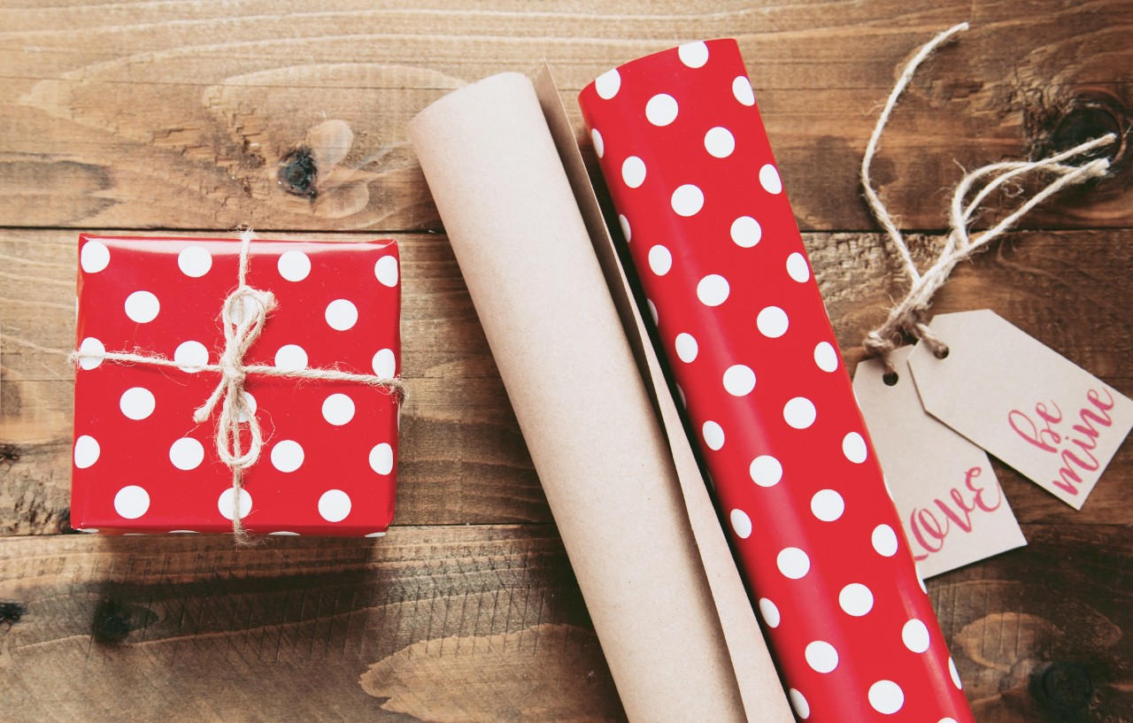 Red Company-Gift Giving Office Etiquette Tips
